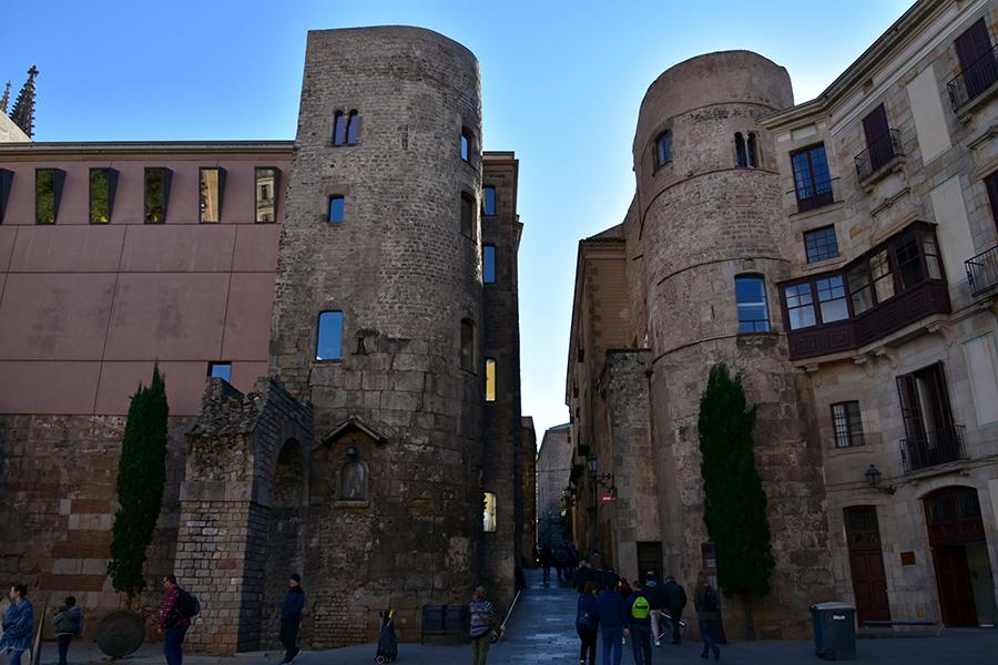 Roman wall, gate and towers Barcelona