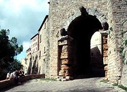 Porta All' Arco, Volterra